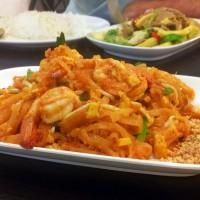 Shrimp Pad Thai @ Papaya restaurant
