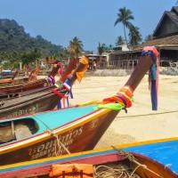 Long boats @ Ton Say Bay