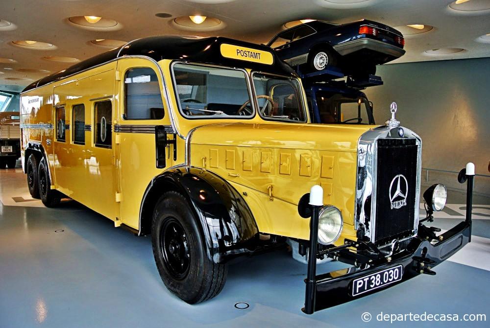 Deutsche Post Bus @ Mercedes-Benz Museum Stuttgart