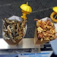Hamsii/ansoa & frucnte de mare prajite @ Il Pescato Cucinato, Riomaggiore
