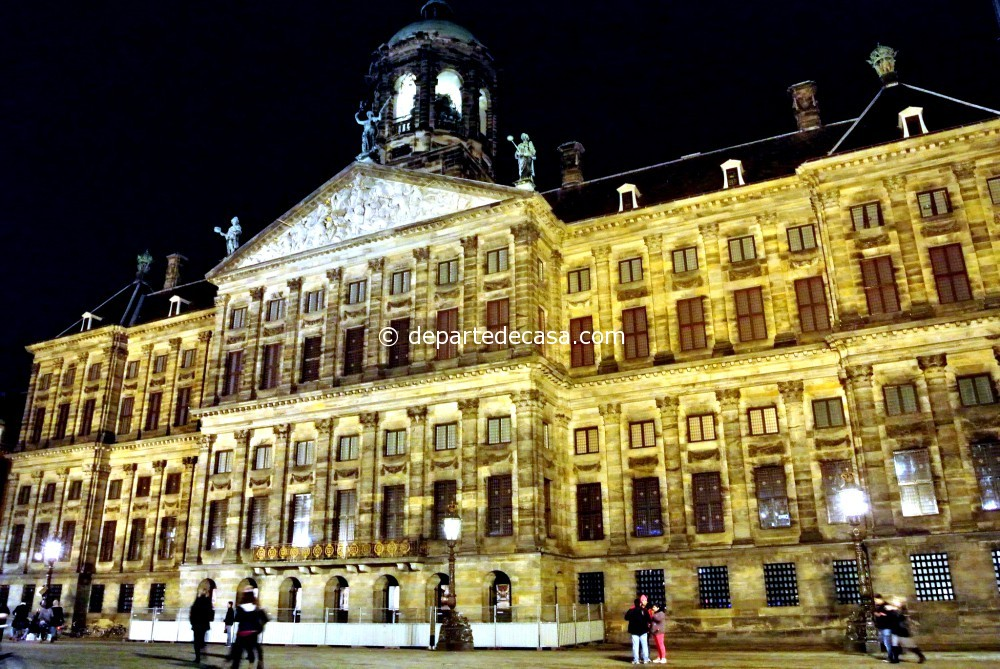 Palatul regal din dam square amsterdam departe de casa for Ostello amsterdam piazza dam