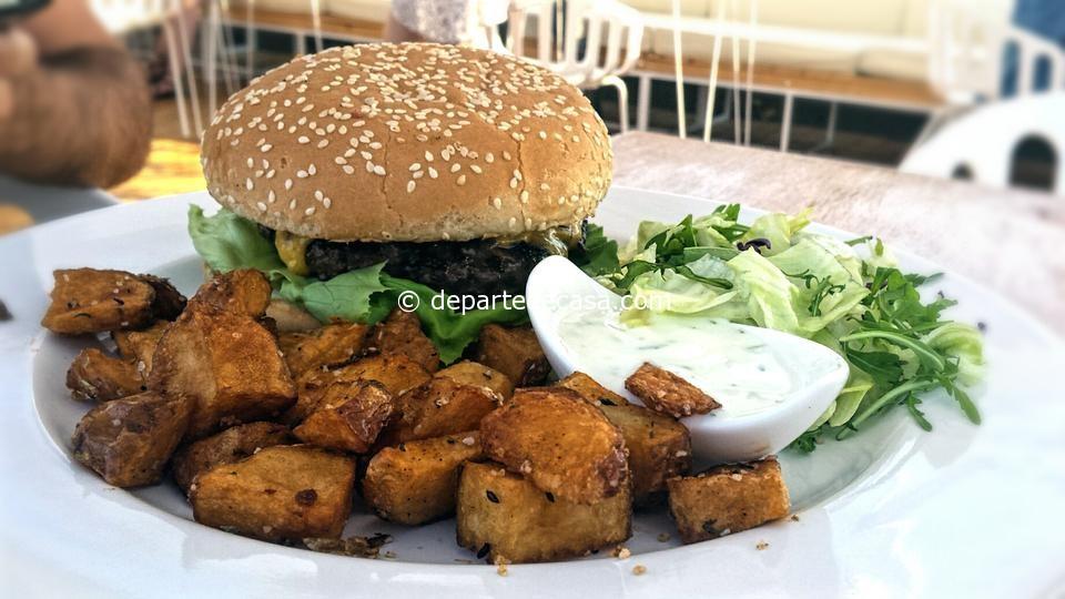 Burger @ Deschis Gastrobar