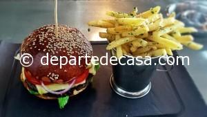 Burger @ Vivo Fusion Food Bar, cei mai buni burgeri din Bucuresti