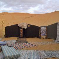 Noaptea in desert