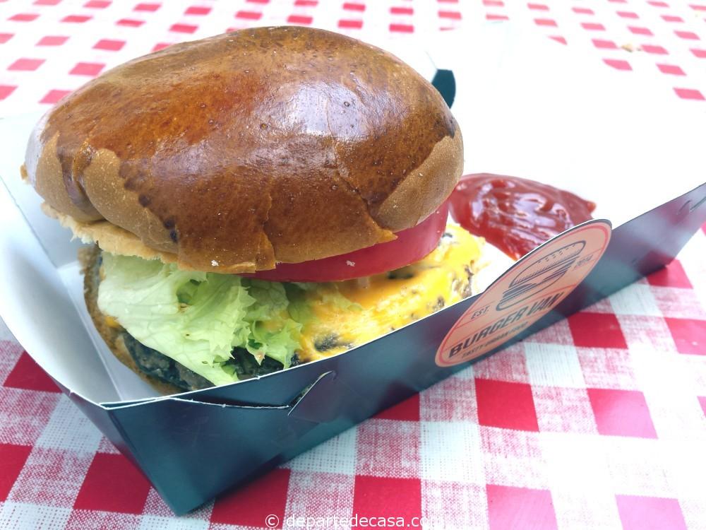 Burger Van burgeri buni din Bucuresti