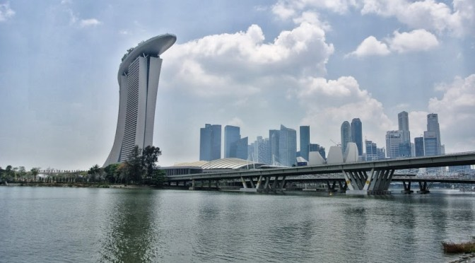 Marina Bay Sands & Singapore skyline